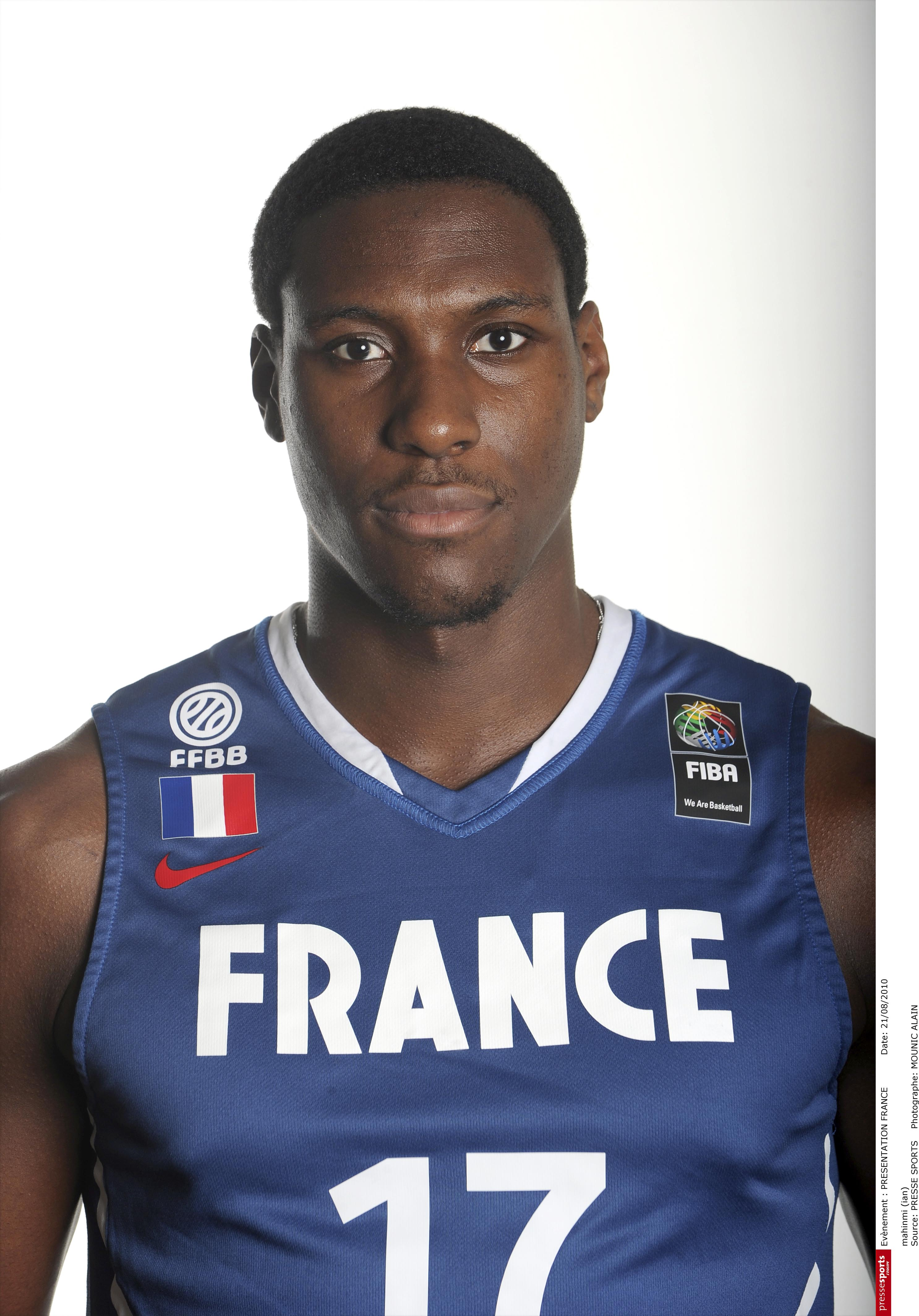 Ian Mahinmi Rejoint Le Groupe France Ffbb