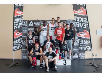 Les vainqueurs et les finalistes du tournoi Basket Fever 3x3