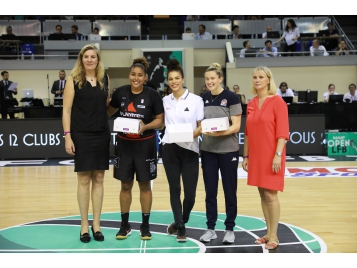 3 championnes WNBA 2018 honorée au MAIF Open LFB