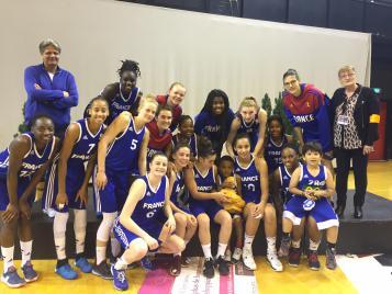 Les U18 remportent le tournoi de Besançon