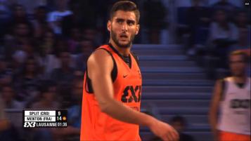 L'arrière du Team Menton, Thomas Laurent (FIBA)