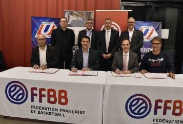 """Signature de la convention """"CUB"""" entre la FFBB et l'Université de Rouen"""