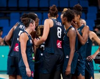 Valérie Garnier et Jacques Commères ont convoqué 15 joueuses en novembre