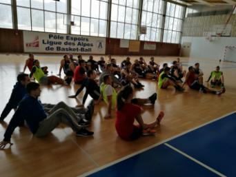 Les arbitres de Pro B et NM1 étaient réunis à Voiron le week-end dernier